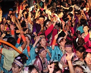 多くの人が熱狂する「婆娑羅ダンス」