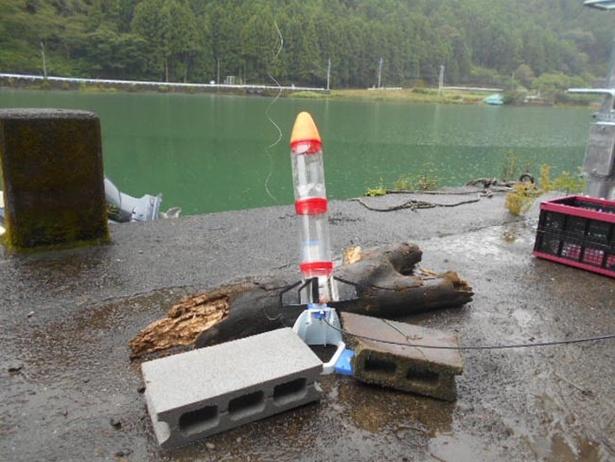 【写真を見る】ペットボトルロケットの仕組みについても学べる