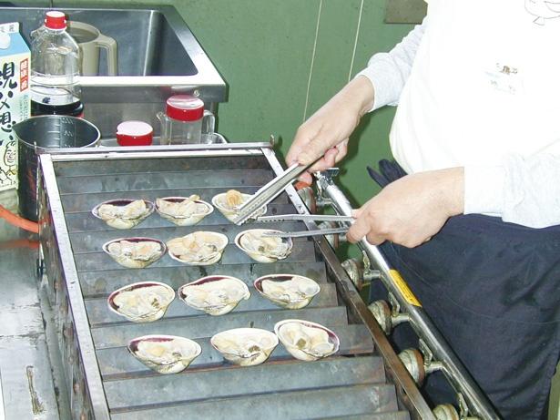 特産大アサリを醤油と酒で焼き上げた名物料理 / 伊良湖 クリスタルポルト