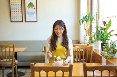 かき氷は400円(レモン、ミルク)からと手ごろな値段もうれしい/谷口今川焼店