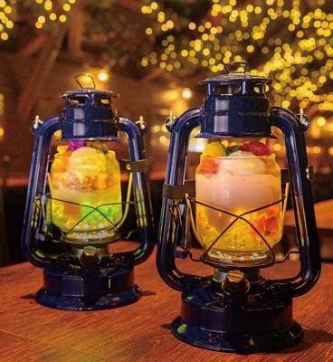 南国パフェ(左・1300円)やすいかパフェ(1400円)は夏の新作/パフェ専門店LAMP