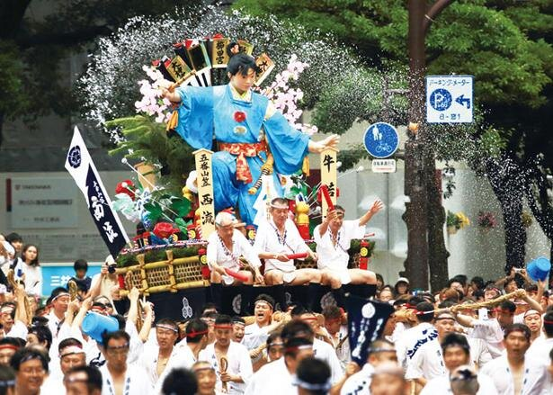 770年以上続く福岡県・櫛田神社の奉納行事「博多祇園山笠」