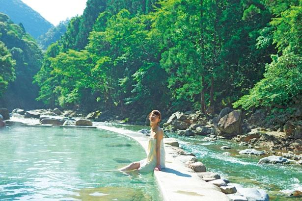 つの温泉地がある十津川村で、最も秘湯ムードが楽しめる源泉大露天風呂/上湯温泉神湯荘