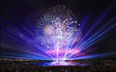 DJ KOOと花火ショーがコラボした、エンターテインメント性あふれる演出が見どころ。写真はスペシャルテーマ花火のイメージ
