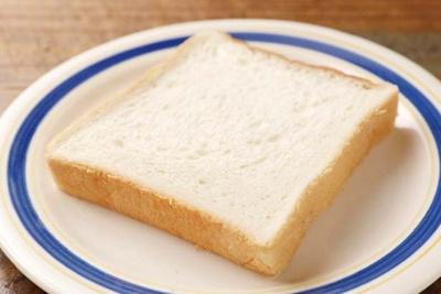 独特の旨味がある「カンテ・グランデベーカリー」の5枚切り湯種仕込み食パンを使用/HOOD by Vargas
