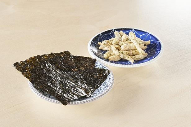 磯の香りが広がる「佐賀海苔」(100円)、唐津産のイリコをまるごと使った「うまかぁ〜!いりこ天」(100円)。※つまみは毎月更新されます