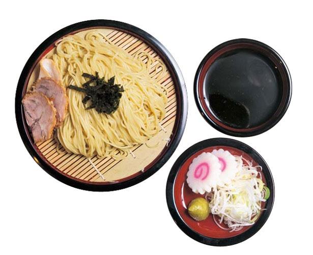 冷やしざるラーメン(900円)/京都千丸 しゃかりき murasaki 京都タワーサンド店