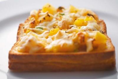 無農薬野菜のピザトースト(648円)/パンカラト ブーランジェリーカフェ