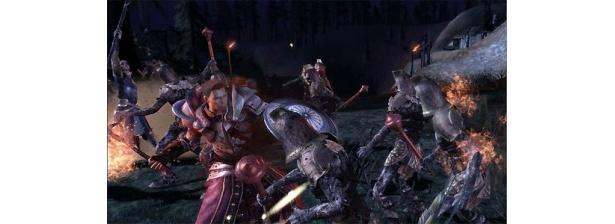 闇の軍勢との壮絶な戦いが描かれる