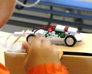 夏休みの自由研究に最適!電気自動車のモデルカー作りを体験しよう