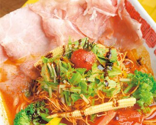 イタリアンと名ラーメン店で修行した店主が作る「イワッチーナ邸」が大阪・本町にオープン!