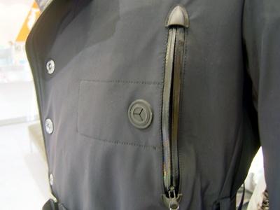 ポケットの中にある小さなポケットがipod nano用