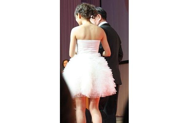 妖精のようなフリルのドレスが可愛い♪