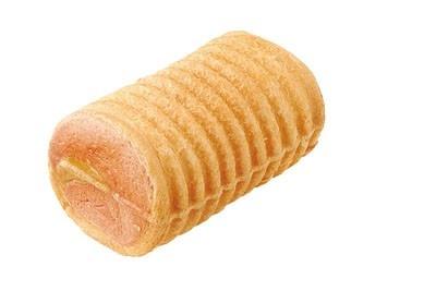 パっと見普通のパンだが、中身に秘密が・・・! 日本橋髙島屋コーナーポケットの「恵方巻パン」(400円)