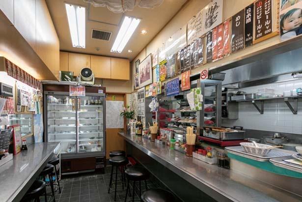 市場関係者はもちろん関西のタレントも通う食堂として知られる/当志郎