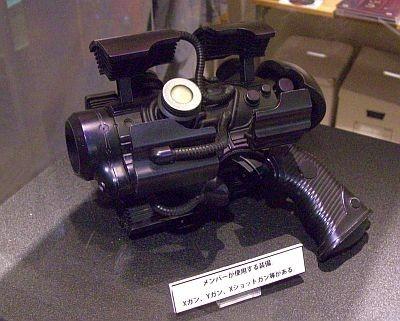"""【写真】GANTZの世界観そのまま!ハンディサイズの銃""""Xガン"""""""