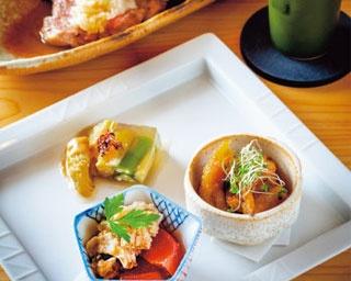 京都の人気店を手がけるグループの3店舗目が河原町にオープン!ダシのやさしい味わいが楽しめる「お出汁とおばんざい musubu」
