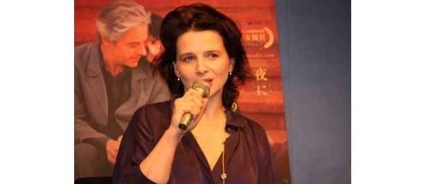 『トスカーナの贋作』が2月19日(土)に公開を迎えるジュリエット・ビノシュ