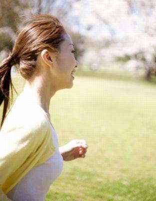 """調査で、運動している女性は、運動しない女性の1.5倍、""""肌のほめられ率""""が高いことが判明!"""