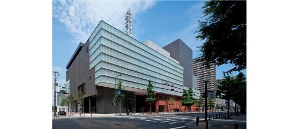 1月にオープンした神奈川芸術劇場(外観)