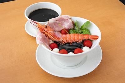 「イカスミつけ麺」(1,250円、1日20杯限定)