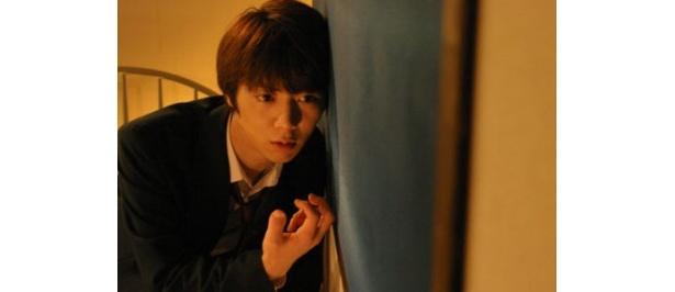 「仮面ライダー響鬼」で純粋な少年を演じた栩原楽人が不純な妄想少年カオルを好演