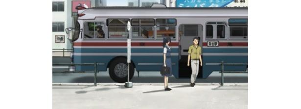 バスの車高、乗車位置など、現在の車種との違いも時代を感じさせる