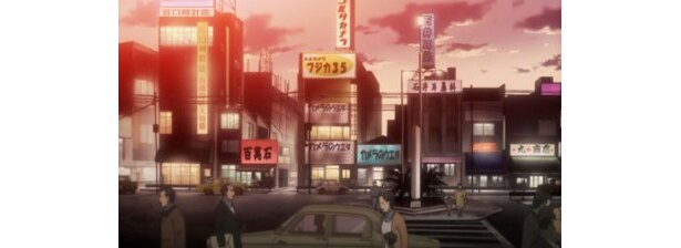 活気づく夕刻の街並み。こういう風景もなかなか見られなくなった