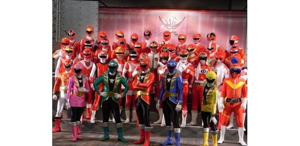 【写真】歴代のスーパー戦隊たちと新戦隊が大集合! ほか、それぞれの出演者の写真もこちらから!