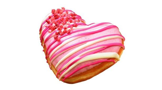 【写真】超キュート!ピンクのハート形ドーナツ♪