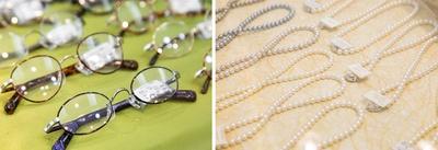 紳士用メガネは亀井さんの好みのブランドが多いとか。真珠のほかダイヤモンドなどのアクセサリーも並ぶ