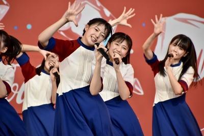 第2部は、STU48の拠点である船上劇場で披露されることの多いダンスパフォーマンス曲『KO・BU・SHI Spirit!』からスタート