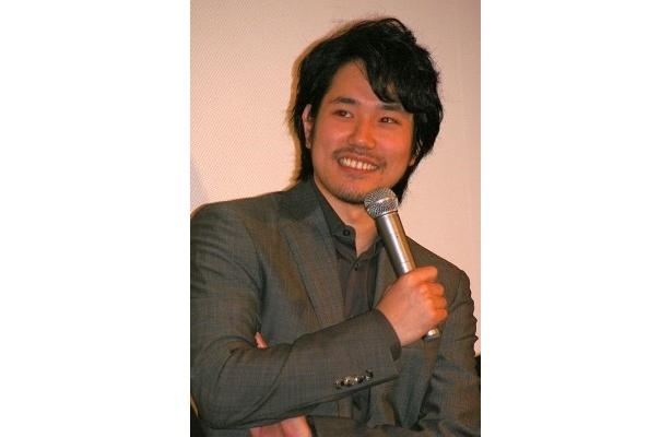 戦いを否定しつづける青年・加藤役の松山ケンイチ