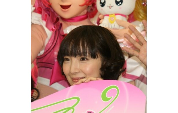 """""""肉球マニア""""という一面をのぞかせた折笠富美子"""