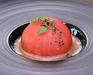 「今昔亭」で提供されるトマトを使用した料理