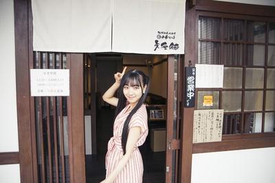 黒髪ロングヘアが印象的なSKE48の末永桜花が、名古屋で人気のラーメン店をレポート!