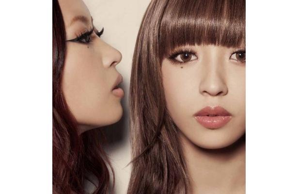 【写真】2ndアルバム「2 Girls」初回限定盤のジャケット