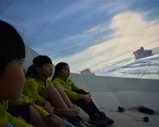 ユニフォームに着替え、南極観測隊の仕事を体験/キッザニア甲子園