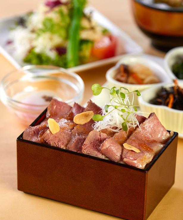 レストラン&カフェ Lagoon / 「壱岐牛のローストビーフ重 御膳」(1980円)