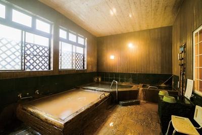 体の芯から温まる、歴史ある秘湯 / 俵屋旅館