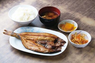 「ヒモノ食堂 」(三重県四日市市)