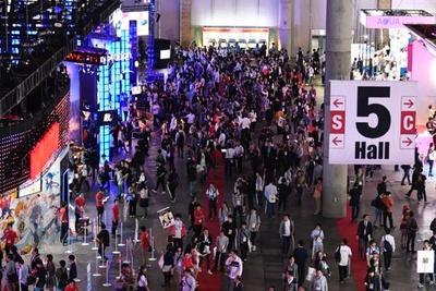 【写真を見る】6年連続来場者数25万人以上を記録する東京ゲームショウ