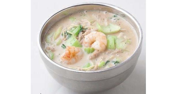"""【写真】スープが真っ白!ミルク入りなのに激辛な""""ミルク鍋""""って?"""
