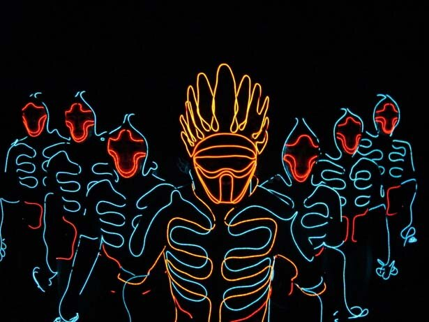 "CGを使わない""光のダンス""映像で一躍注目を浴びたEL SQUAD。YouTubeは5000万ビューを突破"