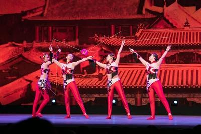 中国ゴマを自在に操る「中国ゴマの芸」 / 夏休みスペシャル アジア交流企画 中国芸術団