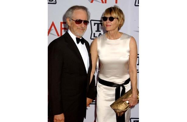 3位のスティーブン・スピルバーグ監督と妻で女優のケイト・キャプショー