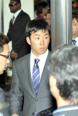 1/31 那覇空港に降り立った際の斎藤佑樹選手