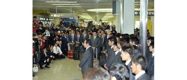 歓迎式典では球団代表として梨田監督が挨拶を