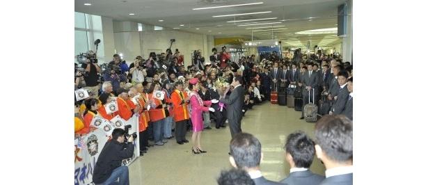 東京、沖縄、北海道…全国各地から報道陣が集結