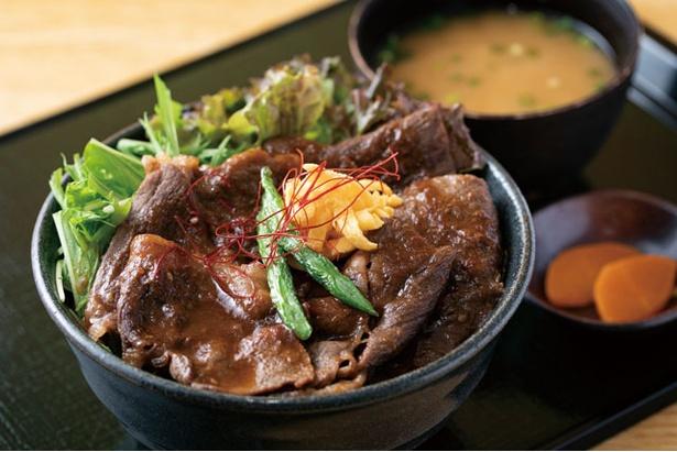 おおいた和牛を150gも使う、びっくり!!焼肉丼(1800円) / 道の駅 ゆふいん